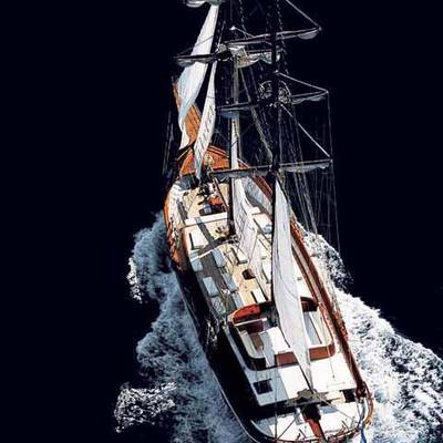 Matina Yacht Running Shot - Overhead