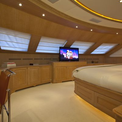 African Queen Yacht Master Stateroom