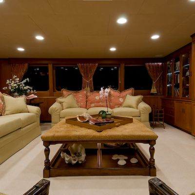 Sea Falcon II Yacht Skylounge  Seating