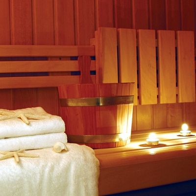 Elegant 007 Yacht Sauna - Candles