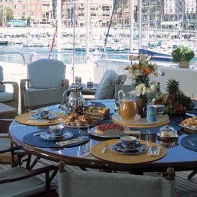 Mercury Yacht Exterior Dining