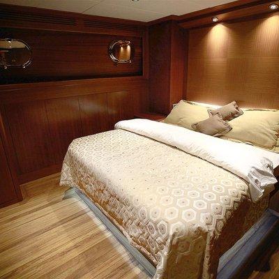 Mezcal 2 Yacht Double Cabin