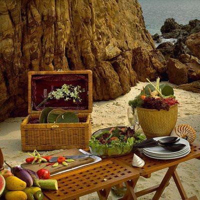 Silolona Yacht Beach Dining