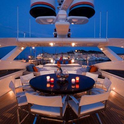 Aurelia Yacht Alfresco Dining