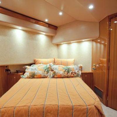 Barefoot Yacht