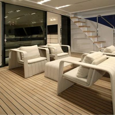 Red Dragon Yacht Exterior Seating