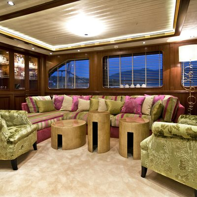 Clear Eyes Yacht Saloon Seating