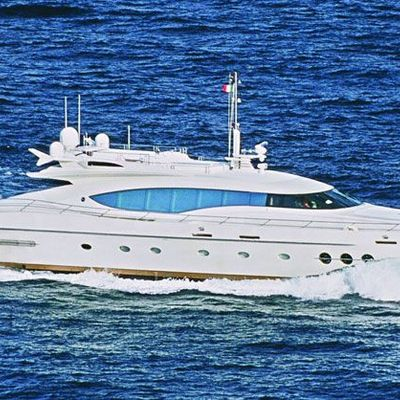 Escape II Yacht Running Shot - Profile
