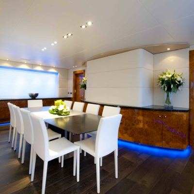 Palm B Yacht Dining & Lounge