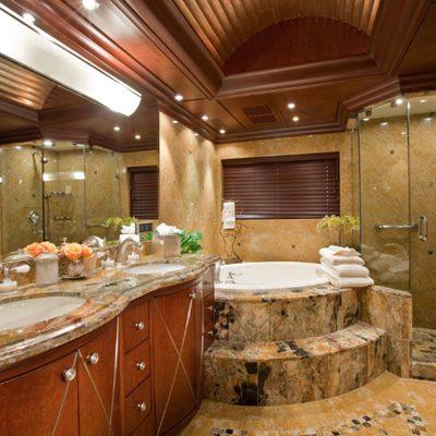 Lagniappe Yacht Master Bathroom