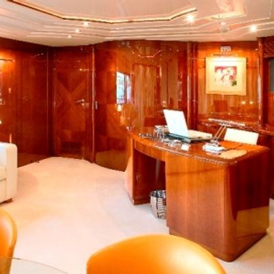 Let It Be Yacht Upper Salon - Desk