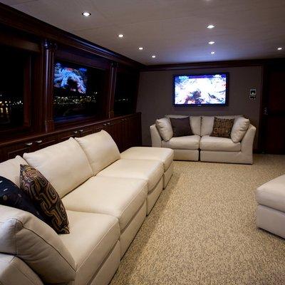 Liquidity Yacht Salon - Screen & Seating