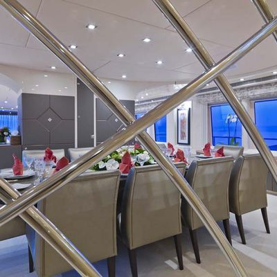 Daloli Yacht Dining Detail