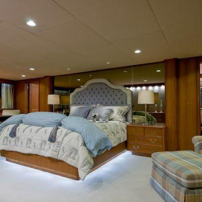 Sea Falcon II Yacht Master Stateroom