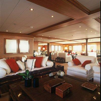 Bleu De Nimes Yacht Salon - Overview