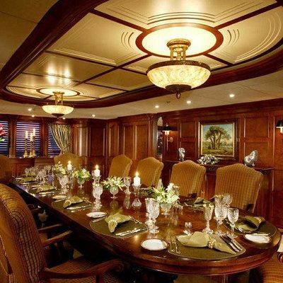 Nomad Yacht Table Set