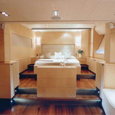 Guillemot Yacht