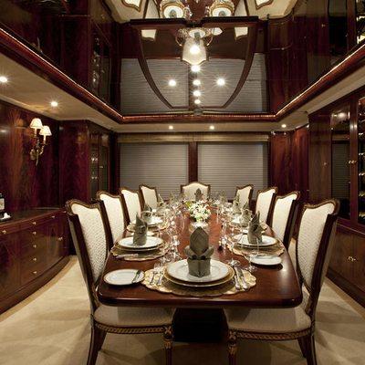 Bellami.Com Yacht Dining Salon - Table View