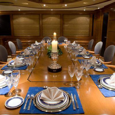 Lou Spirit Yacht Table Set