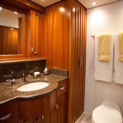 Liquidity Yacht Bathroom