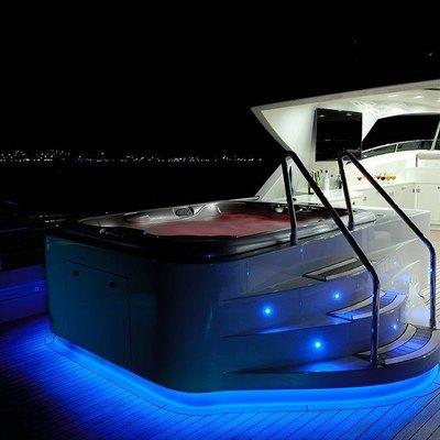 Y Yacht