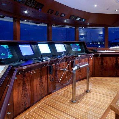 Avalon Yacht Bridge