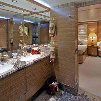 Mia Rama Yacht Stateroom - Bathroom