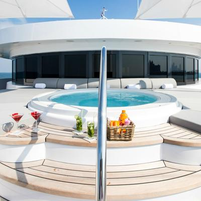 Moonlight II Yacht Jacuzzi