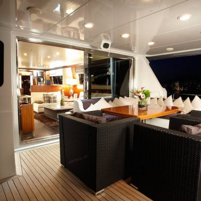 Queen South Yacht