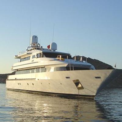 AMZ Yacht Front View