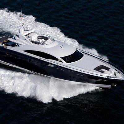 Quantum Yacht Running Shot - Overhead