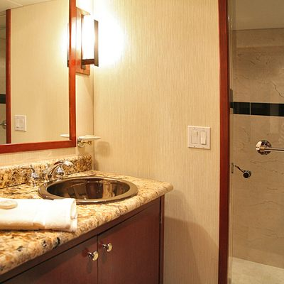 Kayana Yacht Bathroom