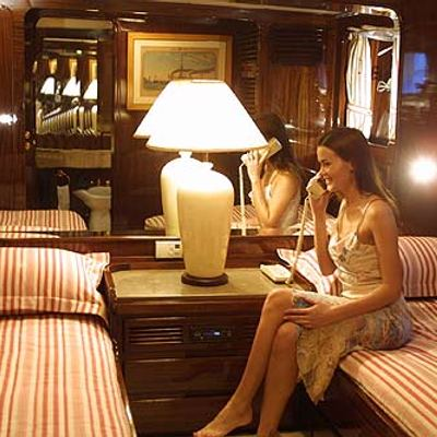 India Yacht Twin Stateroom
