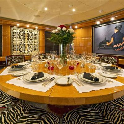 Lady MM Yacht Dining Table