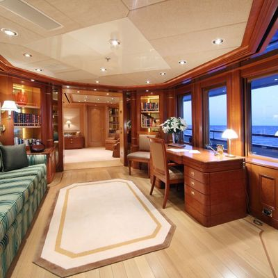 Laurel Yacht Master Office Adjacent to Master Suite - Day