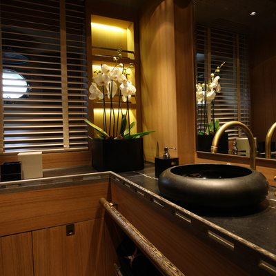 Roxane Yacht Master Bathroom