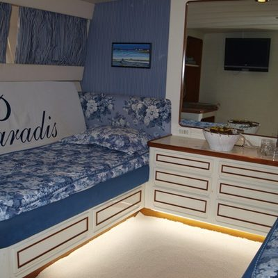 Paradis Yacht Twin Stateroom