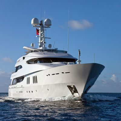 Diamond Yacht Front View