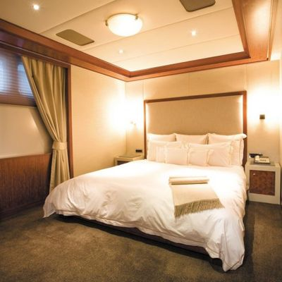 Lazy Z Yacht Guest Stateroom - Overview
