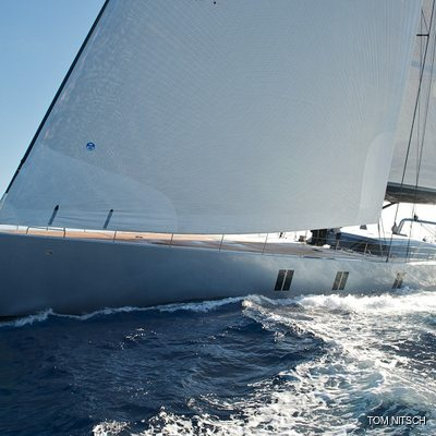 Sharlou Yacht Running Shot - Profile