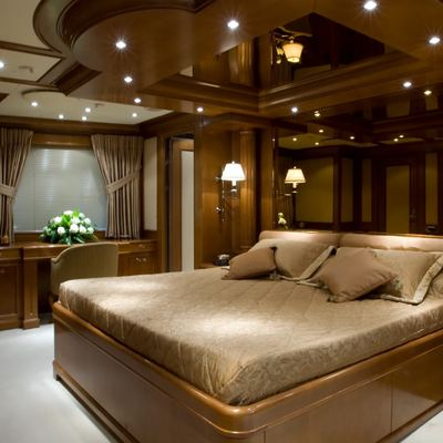 Insignia Yacht Black Guest Stateroom