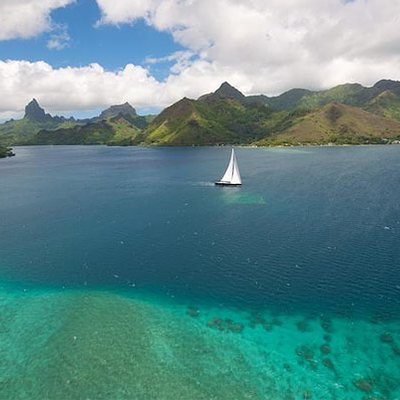 Bliss Yacht Landscape View