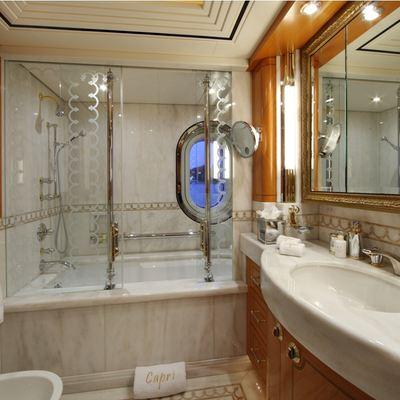 Capri I Yacht First Guest Bathroom
