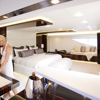 Gems II Yacht Master Stateroom - Detail