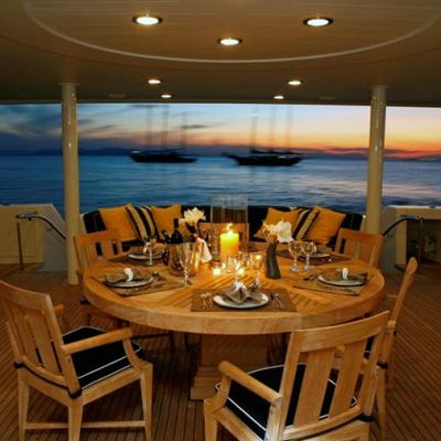 Endless Summer Yacht Main Deck Dining
