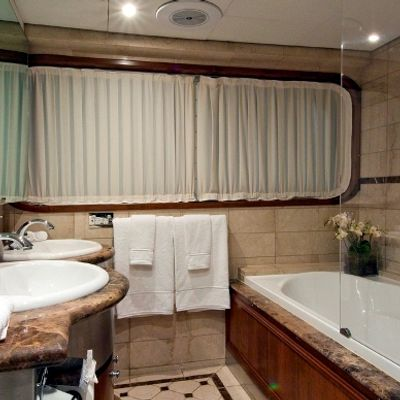 Callista Yacht Master Bathroom