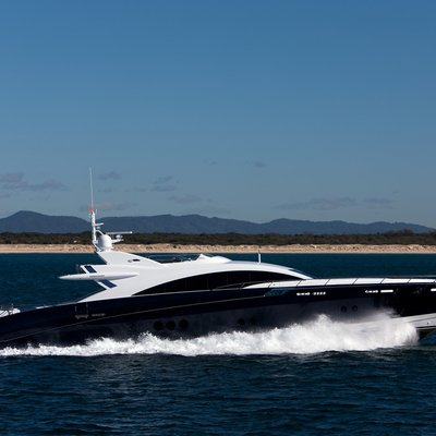 Quantum Yacht Underway