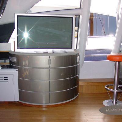Les A Yacht