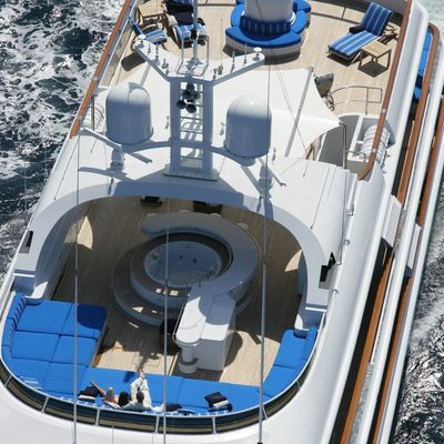 Azul V Yacht Aerial View - Jacuzzi