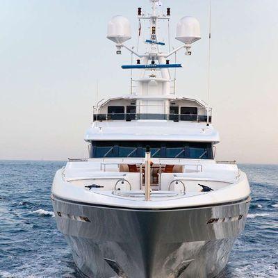 Olmida Yacht Bow